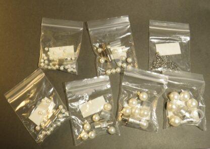Startkit för pärlsättare med både pärlor och nitar till varje storlek.