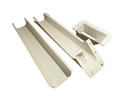 Skräpuppsamlare för overlock. Skruvas fast på bordet eller på en skiva.