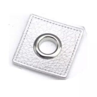 34 Fuskläderlapp med öljett FYRKANT silver silver 27x27